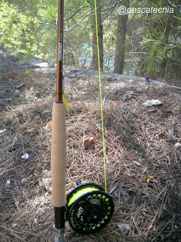 Caña y carrete pesca a mosca